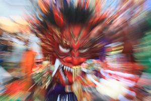 本成寺の鬼踊りは珍しい新潟の節分行事 赤青黄緑黒の鬼が暴れます