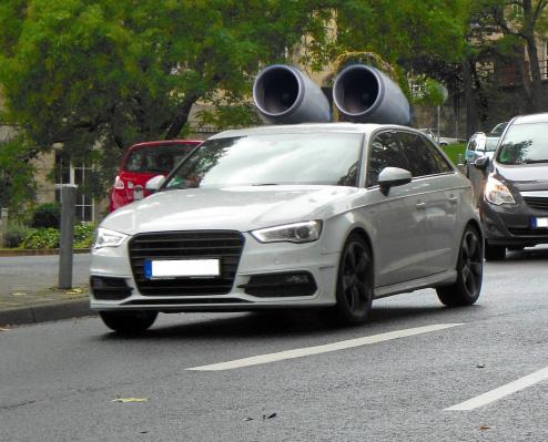 煽り運転回避の方法とされたら逃げるか録画して通報するのがベスト