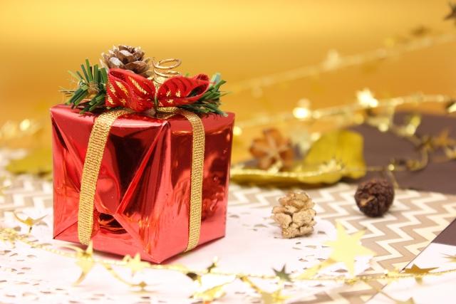 クリスマスプレゼントで彼女30代の予算と喜ばれるランキング