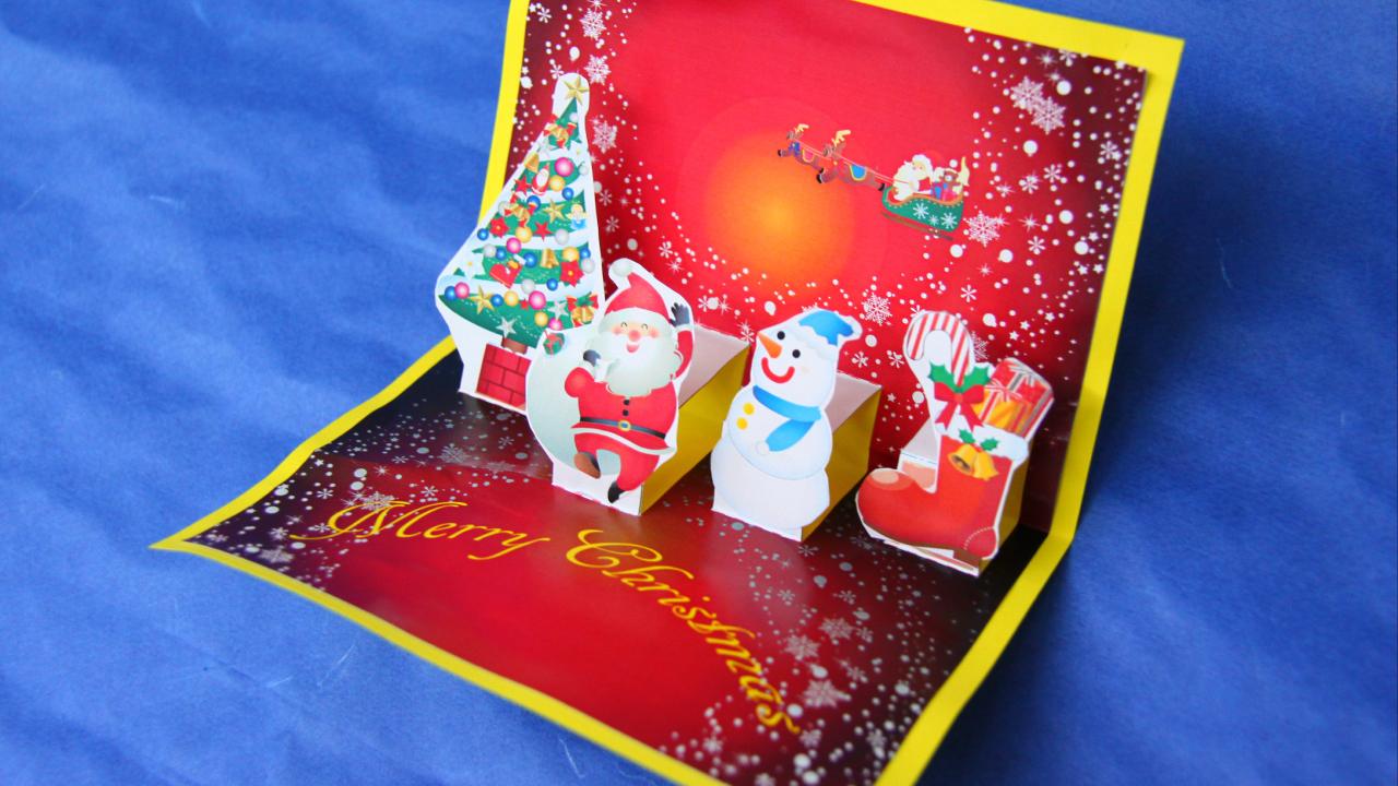 飛び出すクリスマスカードの完成。