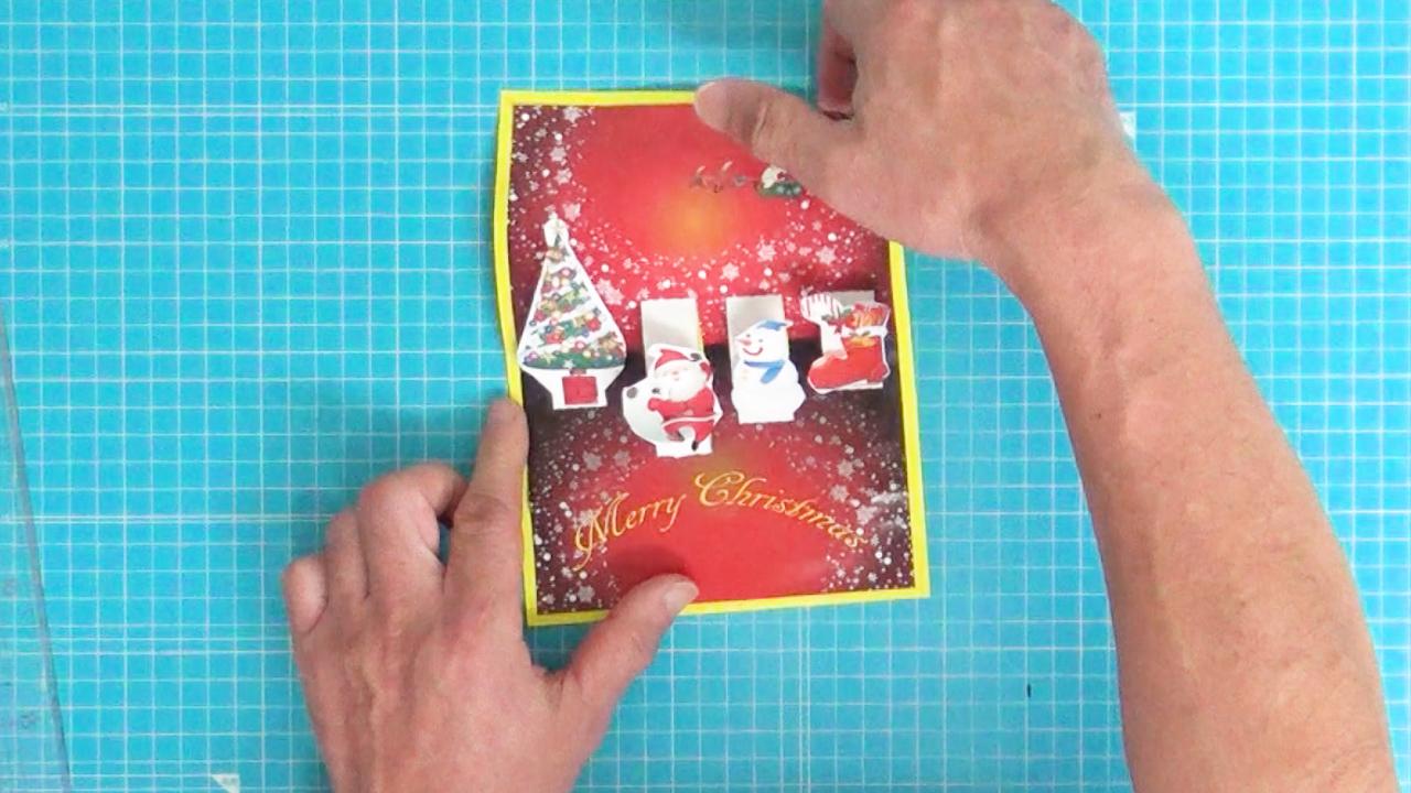 ポップアップクリスマスカードの完成です。